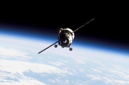 Satelites_Orbitando